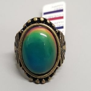 Jewelry - BRASS OVAL MOOD RING BOHEMIAN CHANGING COLORS